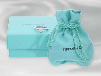Ring: modern, very high-quality platinum, diamond/solitaire ring from Tiffany, brilliant, of very nice quality, 0,7 ct!