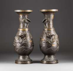 PAIR OF BRONZE VASES WITH DRAGON DECORATION