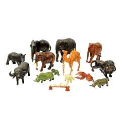 Mixed lot of animal figures, usually made of wood and stone, 14 PCs.