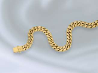 Chain/necklace: high quality, very solid and heavy chain made of 18K Gold