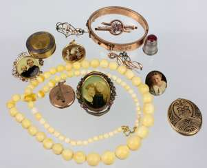 Lot of antique jewelry
