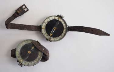 Soviet Union: Compass - 2 copies. Each with a bracelet. Condition: II