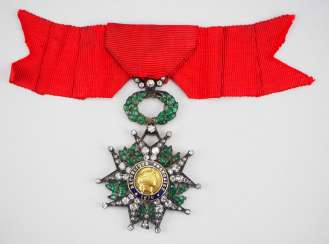 France: order of the Legion of honor, 9. Model (1870-1951), knights cross in brilliant-cut diamonds.