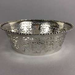 Fancy silver bowl / silver basket, silver 800, art Nouveau 1920. Jeweler Gutruf, Hamburg, very good.