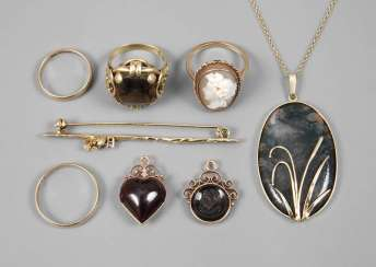 Mixed Lot Of Gold Jewelry