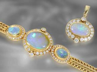 Pendant / bracelet: extremely decorative, valuable opal / brilliant goldsmith bracelet with matching pendant, approx. 2.3ct diamonds, handcraft