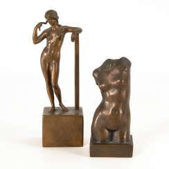 2 small bronzes: a Standing Venus and Mrs
