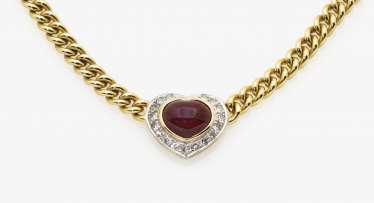 Necklace and a pair of earrings with rubies and diamonds, yellow and yellow
