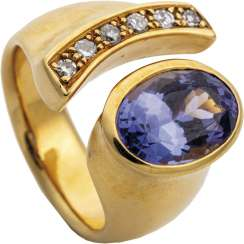 Designer Ring with tanzanite and brilliants