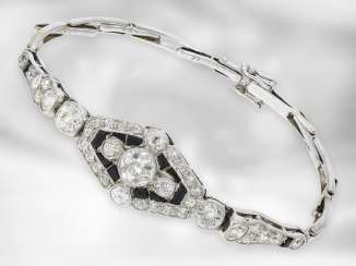 Bracelet: antique onyx / diamond gold wrought bracelet made of platinum with a rare, flexible patent bracelet, approx. 2.8 ct, handcraft from the Art Deco period