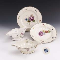 2 plates and 2 sauce boats with flower painting