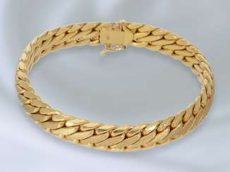 Bracelet: decorative designed bracelet, crafted in 14K Gold, vintage gold wrought work