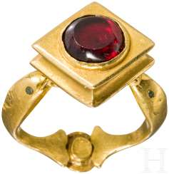 Hellenistic gold ring with garnet and emerald, at the end of 4. - 3. Century before Christ