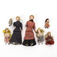 5 + 2 dolls for the dollhouse