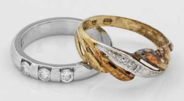 Two band rings with diamonds