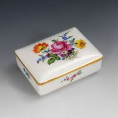 Box with flower painting, MEISSEN.