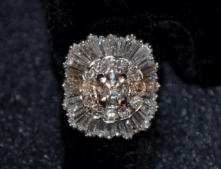 Vintage ring with diamonds