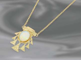 Necklace/Collier: fine vintage gold chain in the Erbsmuster with a beautiful Opal center part, 14K Gold