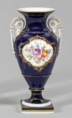Amphora vase with floral decoration