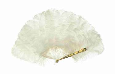 Feather fan with white ostrich feathers