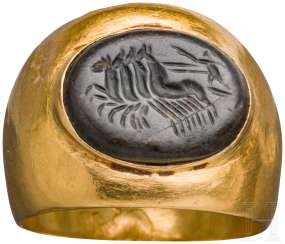 Gold ring with chamfered hematite, late Hellenistic-Roman, 1. Century before Christ