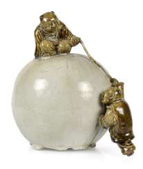 PORCELAIN BALL WITH TWO