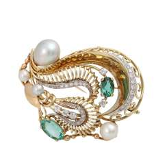 Brooch with green tourmaline, cultured pearls and diamonds