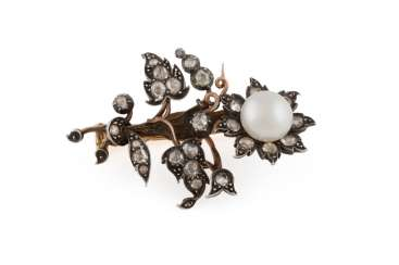 PEARL BROOCH WITH DIAMOND TRIM