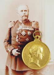 Austria: Golden Civil Medal Of Honor 2. Class, 1. Model (1838-1848) - Royal Prussian General doctor, first class, with the Range as a retired major General and the Grand Ducal Baden-Secret Council I. class Bernhard Beck.