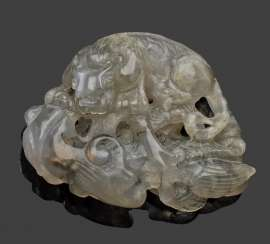 Agate-dragon with Linghzi-a mushroom and coins