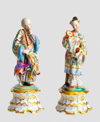 Paired statues of