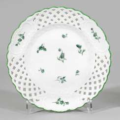 Decorative plate with scattered flowers