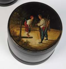 Tea caddy with love couple