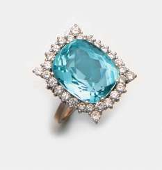 Elegant aquamarine diamond ring