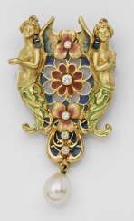 Belle Epoque brooch with diamonds