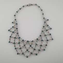 Magnificent vintage necklace with a reticulated middle section