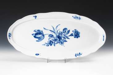 Large fish plate with blue painting, MEIS