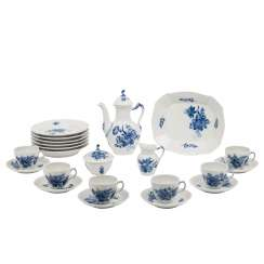 ROYAL COPENHAGEN coffee service for 6 persons 'curved blue flower and smooth', 20. Century.