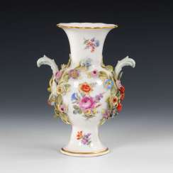 Vase with flowers plaque, MEISSEN.