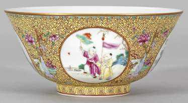Famille rose bowl with figural scenes