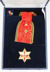 Federal order of merit, Grand cross set, in a case.