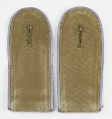 Wehrmacht: Pair of shoulder boards for men of the transport troops of the Africa Corps.