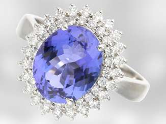 Ring: very beautiful tanzanite ring with brilliant-cut diamonds, total approx. 4ct, 18K white gold