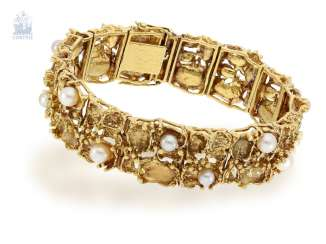 Bracelet: Golden, formerly very expensive and high quality the Designer bracelet with cultured pearls, probably one of a kind