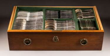 208-PIECE CUTLERY IN A HISTORISM CUTLERY CHEST