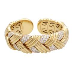 Bangle bracelet in braided Design with brilliant