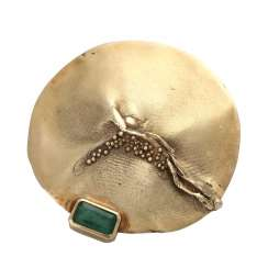 Pendant/brooch with emerald