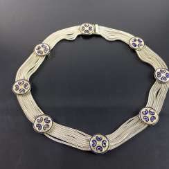 Wide necklace: eight silver chains, as well as eight Zierglieder gold plated, very decorative.