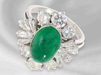 Ring: a decorative and very high quality gold ring with precious emerald and diamonds/diamonds of high quality, approx. 7,1 ct, the court jeweller Roesner forged