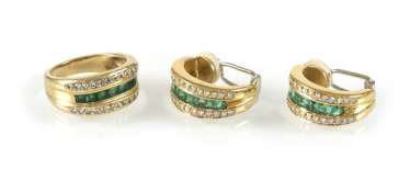 Emerald And Diamond Ring And Ear-